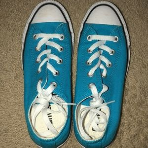 Teal Allstar Converse size 6 low top